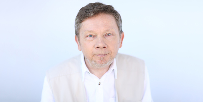 Unretouched-Eckhart-Wide-angle